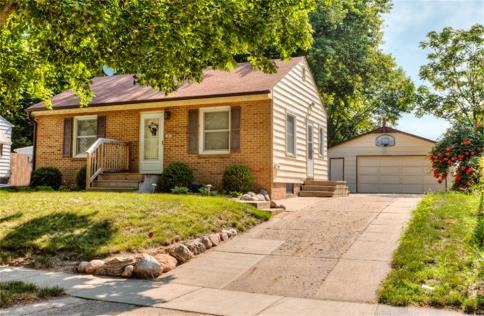 1807 55th St Des Moines IA 50310 1550 US Central Home